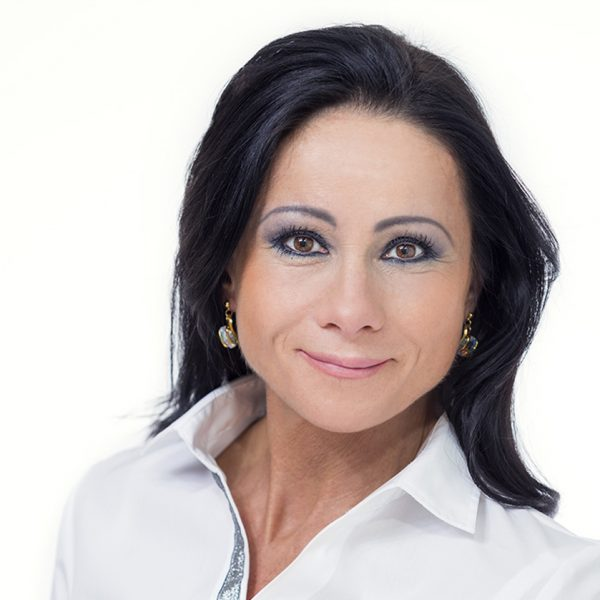K.N. dentistry assistant and dental hygienist of the Budapest Artdent Dentistry