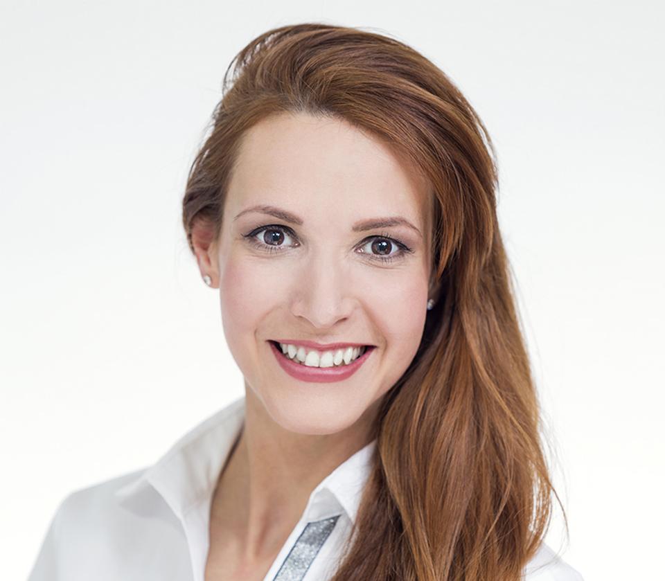 Nágel Betti az Artdent budapesti fogászat fogászati asszisztense és dentálhigiénikusa.